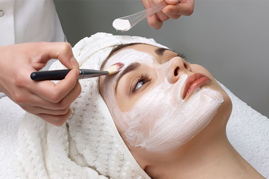 https://zenyu.com.au/wp-content/uploads/2019/03/facial-treatment.jpg